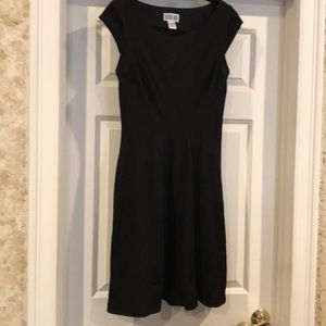 Robbie Bee | size medium black dress never worn.